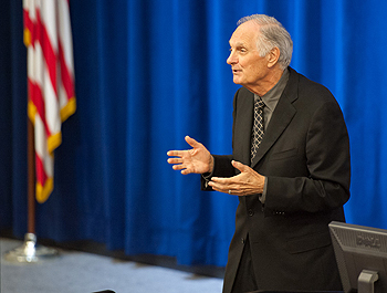 Alda, a devoted advocate for communicating science better to the public, spoke at SLAC on Oct. 25. Video of his entire talk will be posted online soon. (Courtesy: SLAC)